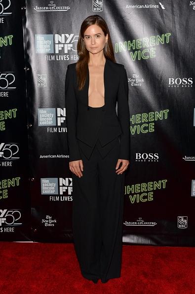 Katherine-Waterston-Wearing-Altuzarra-Inherent-Vice-52nd-New-York-Film-Festival-Premiere