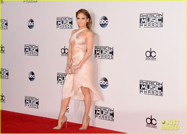 jennifer-lopez-american-music-awards-05