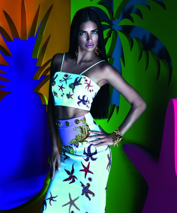 snapshot-adriana-lima-by-mert-alas-and-marcus-piggott-for-versace-x-riachuelo-collection-campaign-1-800x963