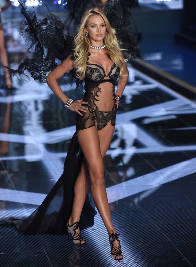 Candice Swanepoel Victoria S Secret Fashion Show