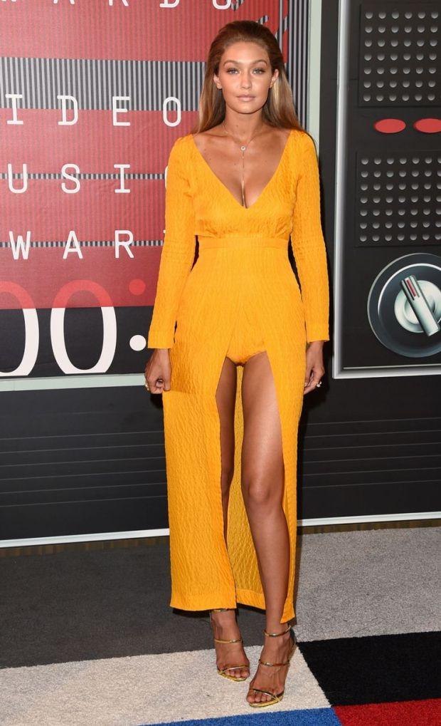 Gigi Hadid VMA 15