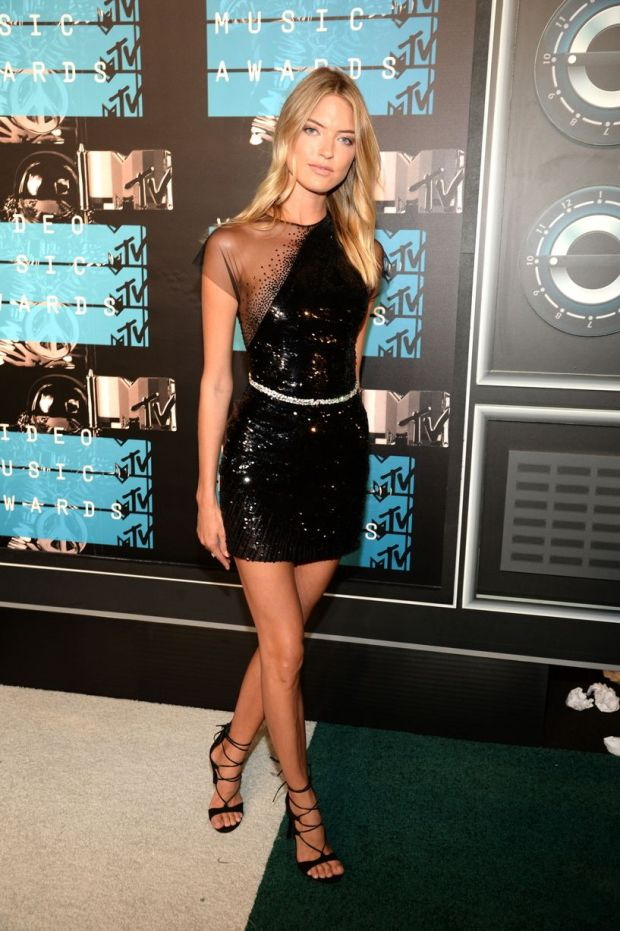 Martha Hunt VMA 2015