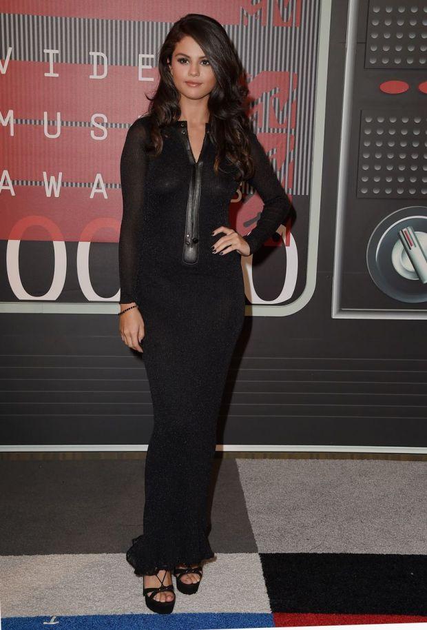 Selena Gomez VMA 15