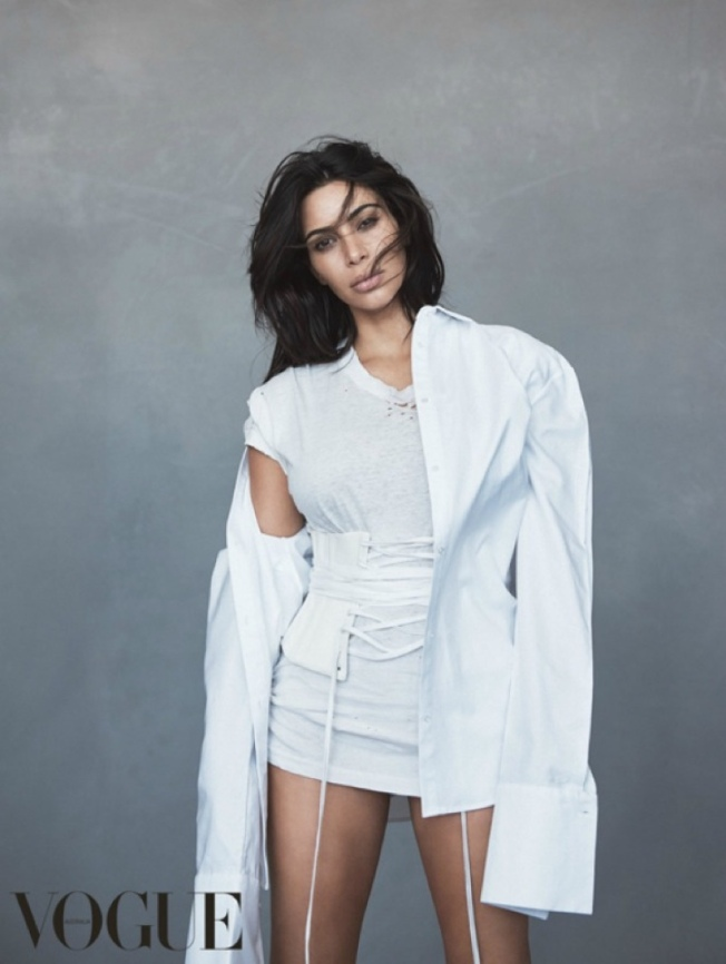 Kim-Kardashian-Vogue-Australia-June-2016-Cover-Photoshoot03