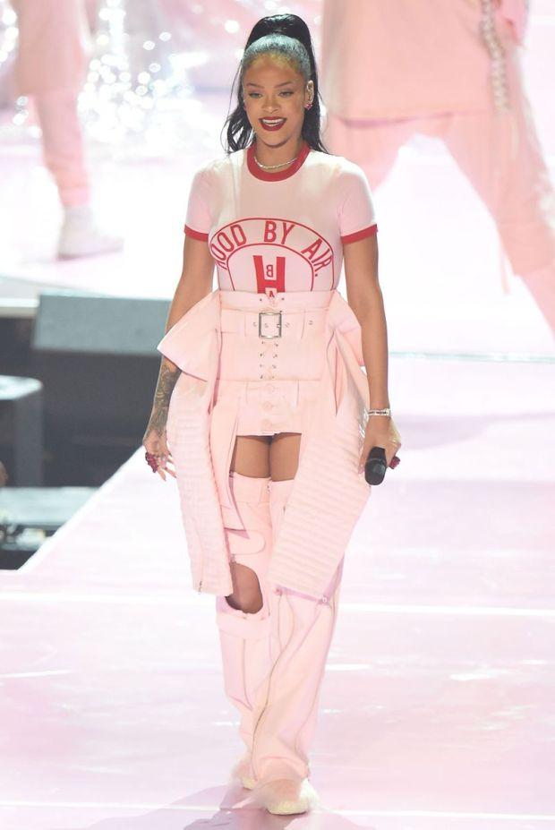 Rihanna vma 1